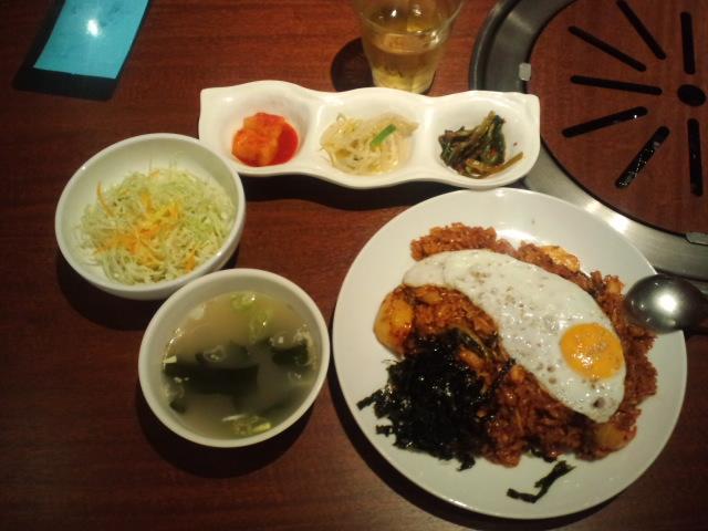 昼食は韓国料理